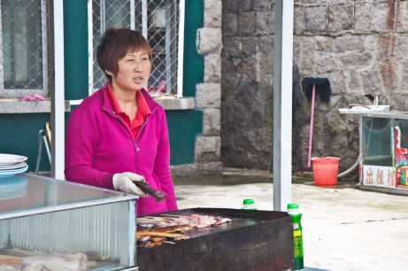Laoshan Moutain near Qingdau: The aroma of her food was enticing, but I passed on it. Now I wish I'd indulged.