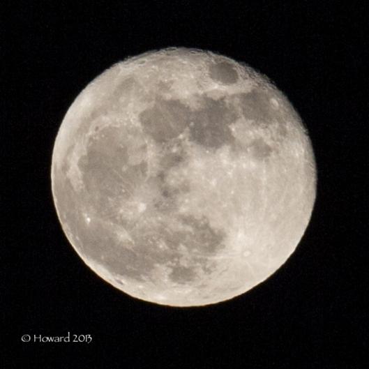Waxing Gibbous Moon (92%)