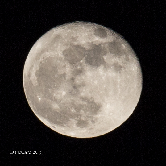 Waxing Gibbous Moon (92%)
